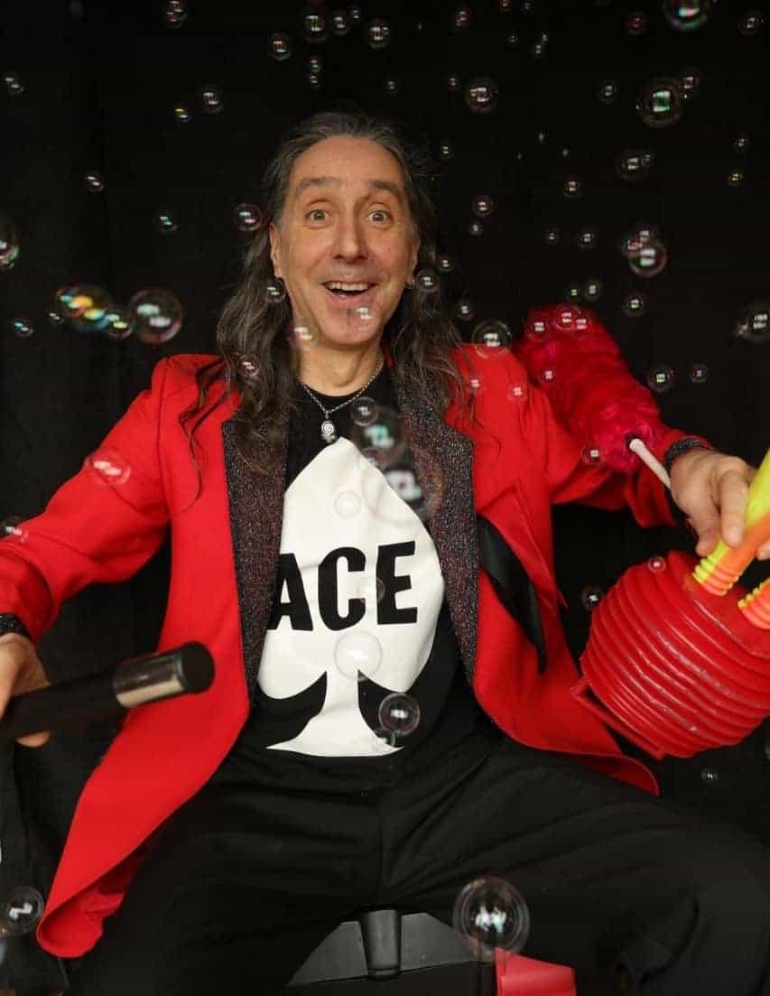 Oz Moses magician
